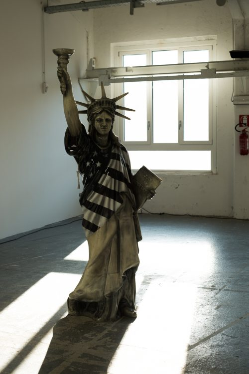 Statue of Liberty, WHITE MILAN