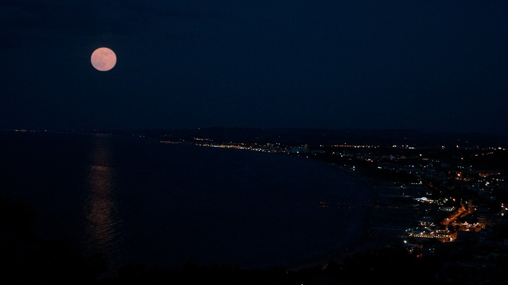 SUPER LUNA IN THE GULF OF VASTO
