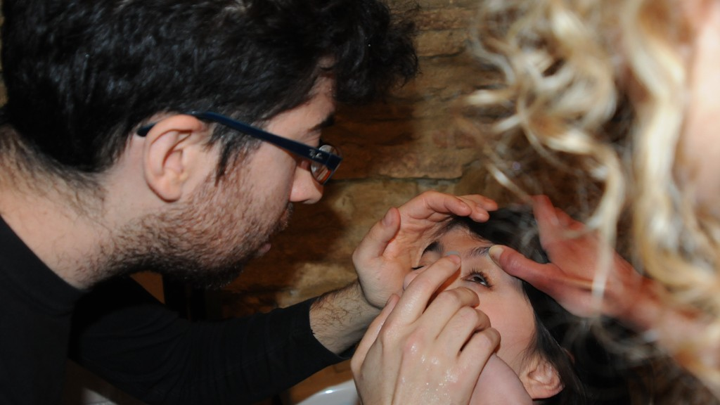 DAVIDE POMPEO WHILE PUT IN CONTACT LENSES