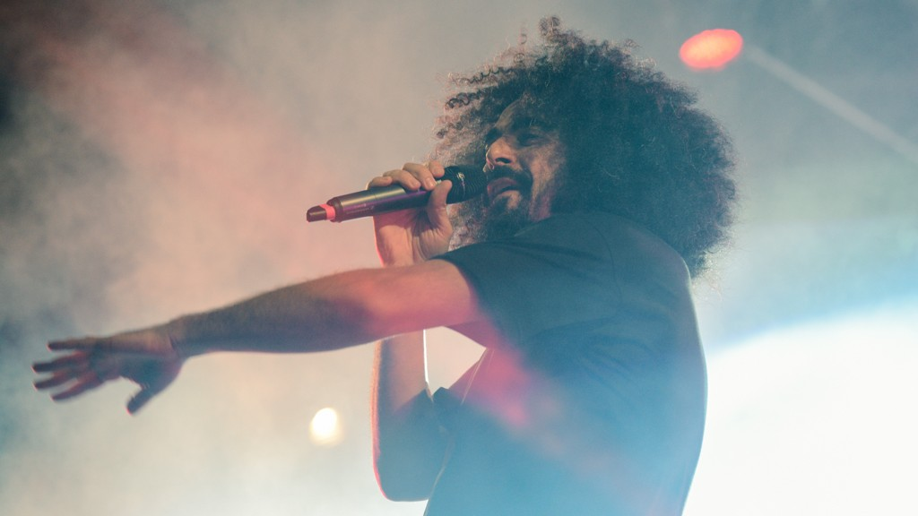 CAPAREZZA LIVE IN PESCARA LAST NIGHT