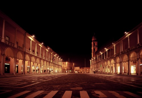 FAENZA BY NIGHT