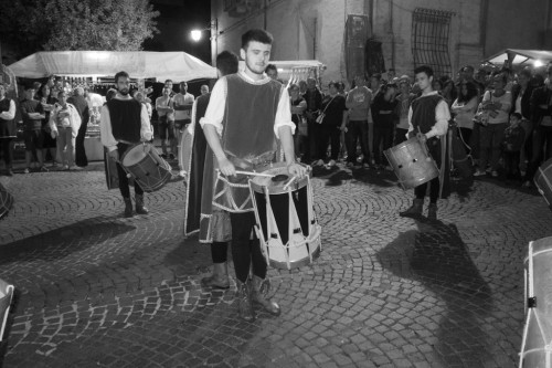 NICOLA CEROLI PERFORMING AT THE MEDIEVAL WEEK