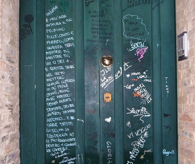 Green love door