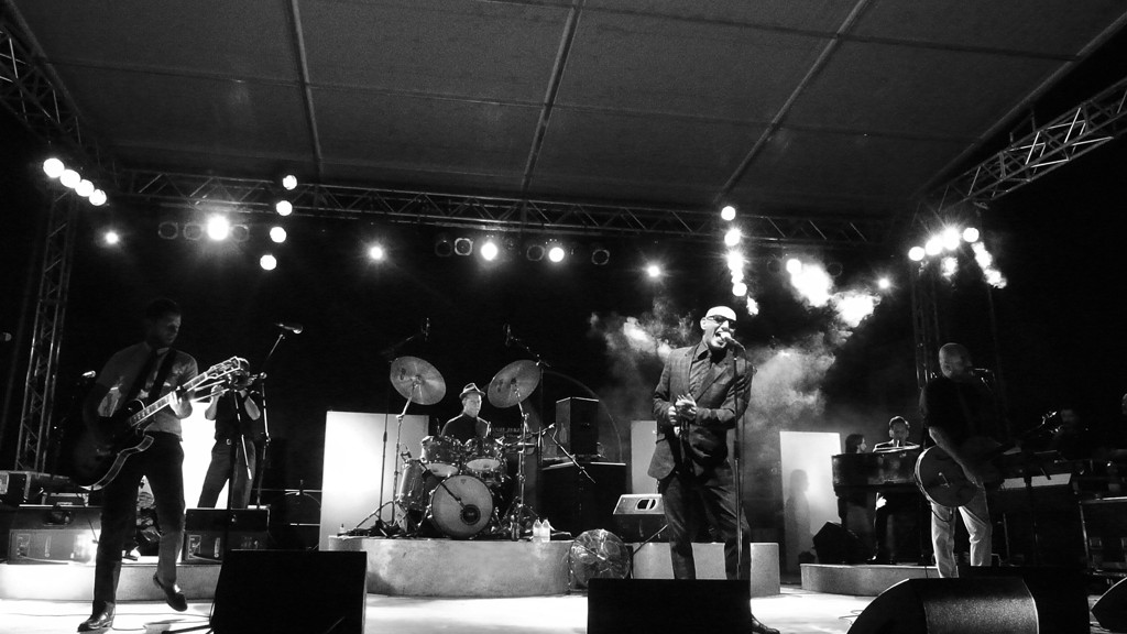 Giuliano Palma & The Bluebeaters live