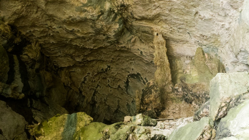 ENTRANCE OF THE CAVALLONE CAVES