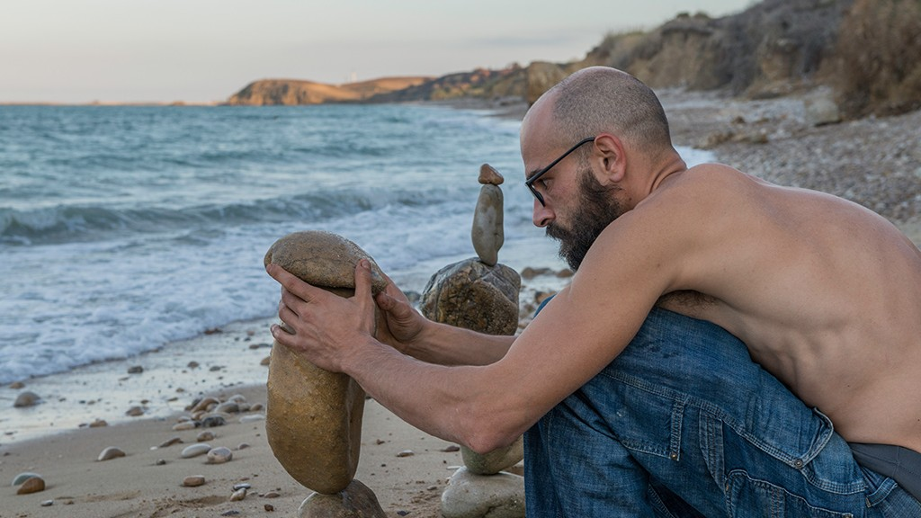 Gaetano De Crecchio and the rock balancing