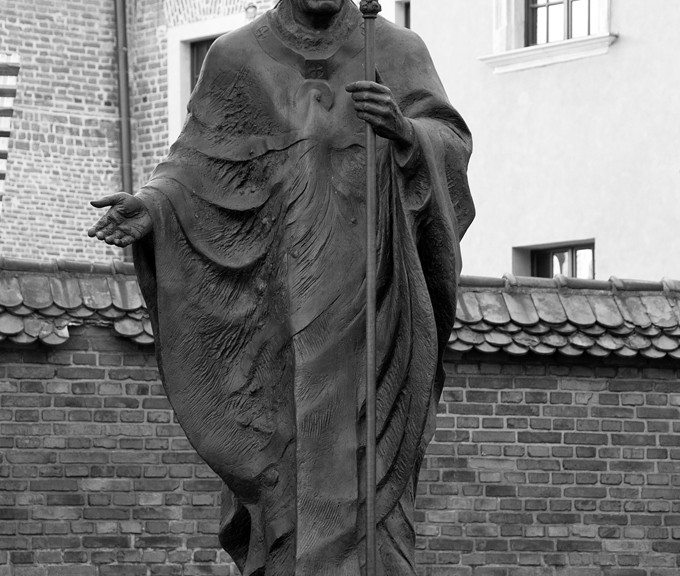 Statue of Pope Jonnaes Paulus II in front of the Wawel Cathedral in Krakow