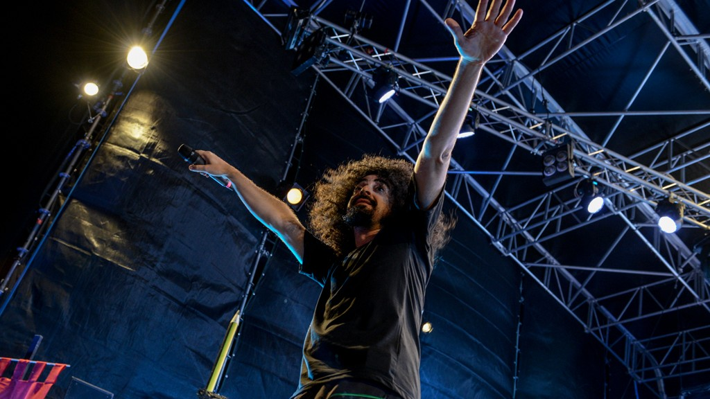 CAPAREZZA CONTINUES TO FLY